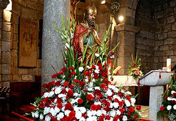 Ritiro bandiere • Processione Santa Messa • Grippi Folk • • •